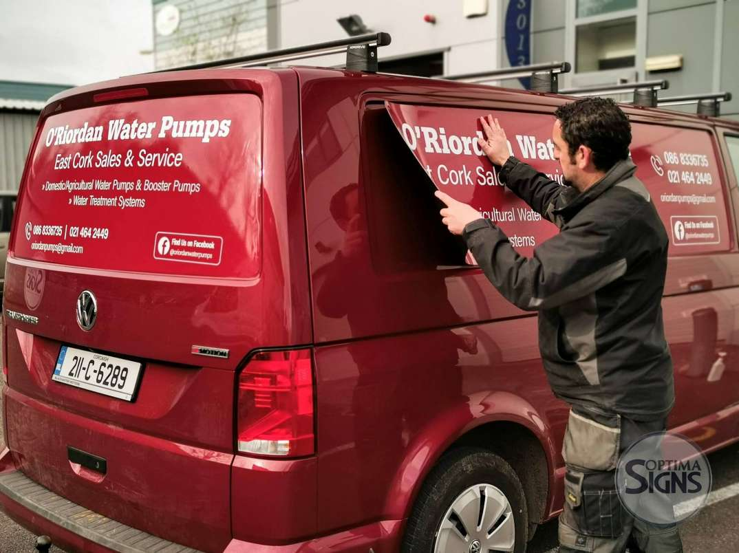 Removable magnetic sign for VAN and cars Cork